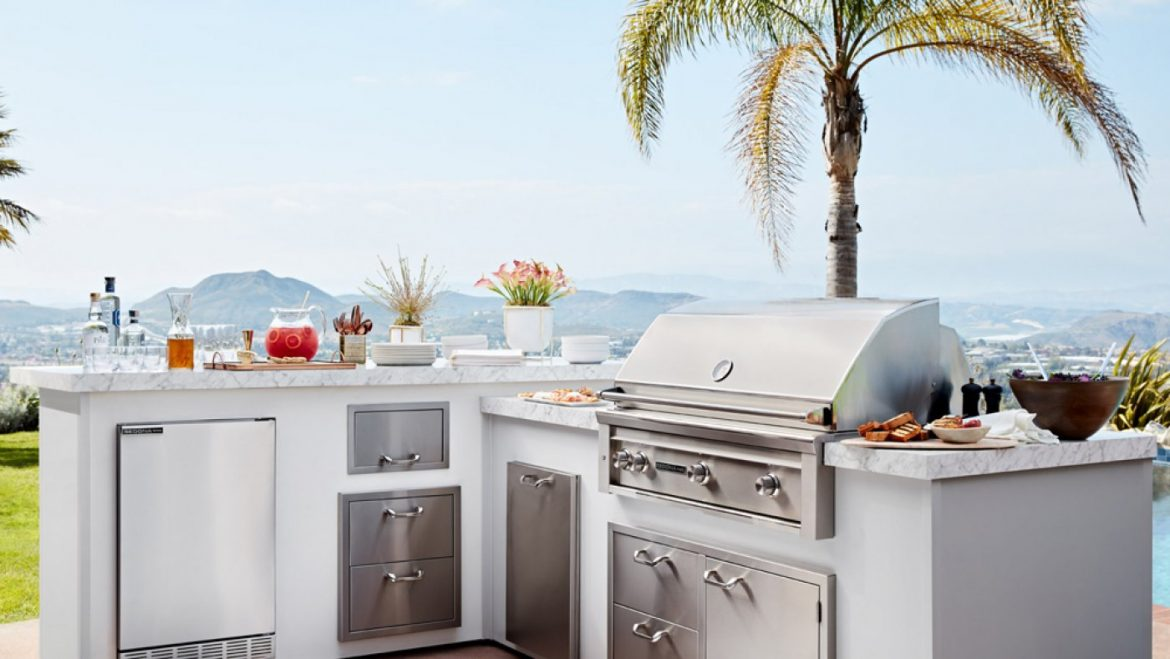 10 High-End Grills That Will Compose You King of the Summer season Cookout