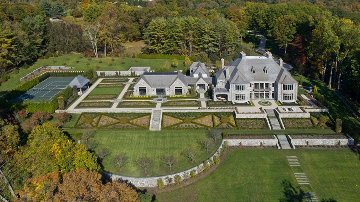 With an Indoor Pool and Lakefront Gain admission to, This $forty Million Connecticut Mansion Is a Swimmer's Dream