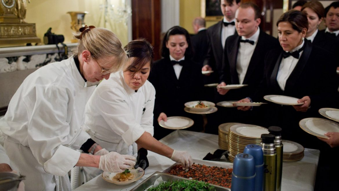 All the scheme in which thru the Odd Society of Chefs Who Design Meals for World Leaders