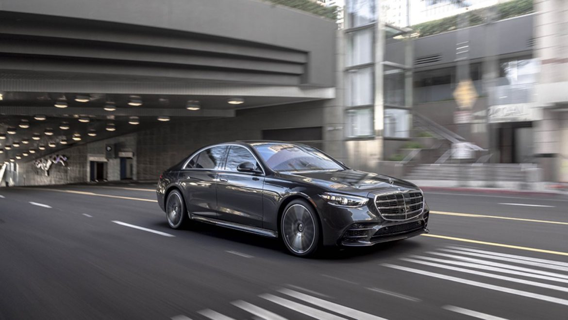 How Mercedes-Benz's Used S-Class Learned to Like Bleeding-Edge Expertise
