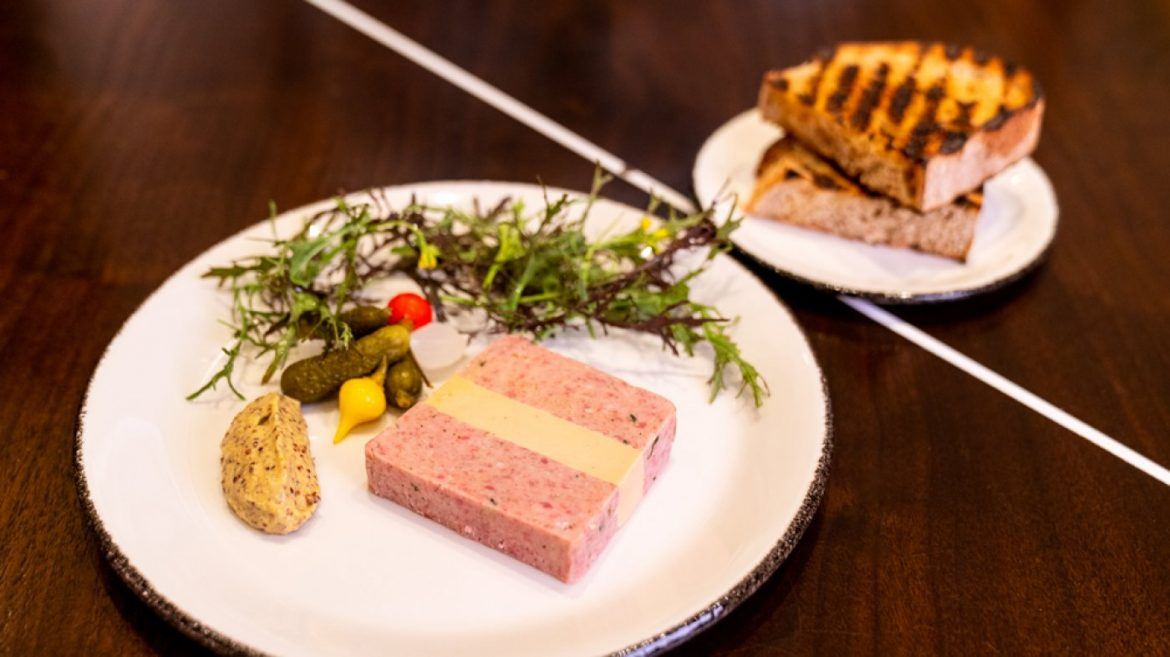 Chef Jonathan Benno's Modern NYC Restaurant Leans Into French Bistro Classics