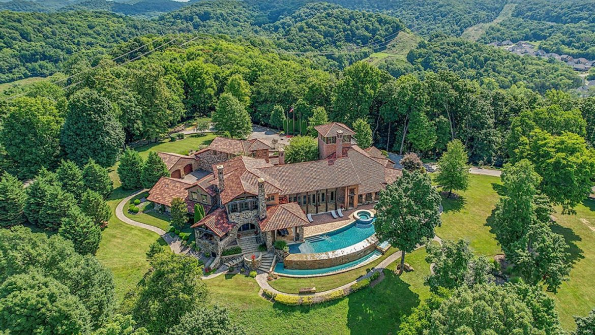 Home of the Week: Country Celeb Kenny Chesney Lists His fifty six-Acre 'Tennessee Tuscan' Property for $14 Million